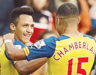 Sunderland (a) - Alexis takes centre stage and opens door for Walcott return